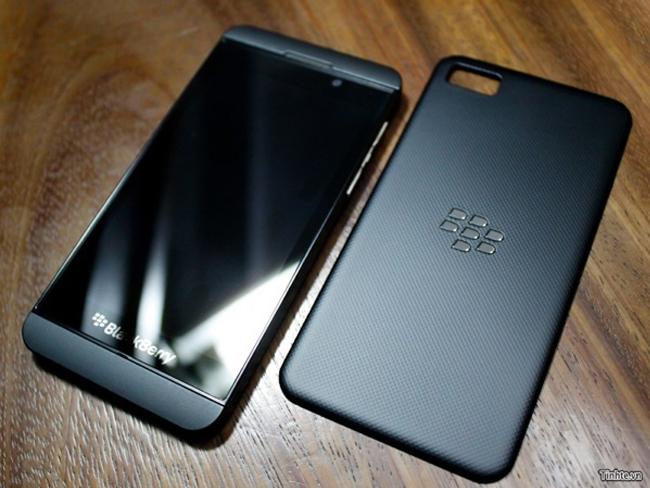 BlackBerry Z10, el primer smartphone con BB10